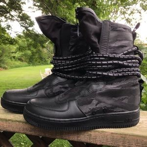 Nike Black Air Force 1 SF High Top Shoe Boot